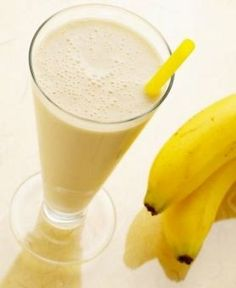 Paleo Banana Shake Recipe with almond milk or coconut milk. Tasty, healthy shake recipe thats gluten and dairy free. Healthy Shakes, Healthy Drinks, Yummy Drinks, Yummy Food, Healthy Meals, Healthy Life, Healthy Living, Milk Shakes, Smoothie Drinks