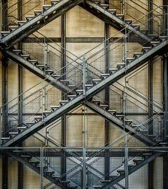Scissor Stair. 8 © Frederic Baque