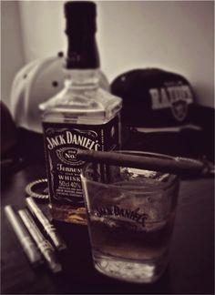 Black White Photos, Black And White, Jack Daniel's Tennessee Whiskey, Cigarette Aesthetic, Smoke Photography, Night Aesthetic, Foto Art, Shadowrun, Smoking Weed