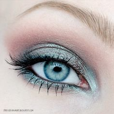 33 Best Makeup Tutorials for Blue Eyes - The Goddess - Makeup Tutorials for Blue Eyes -Icy Blue Eyes and Blue Lips Makeup Tutorial -Easy Step By Step Begi - Best Makeup Tutorials, Make Up Tutorials, Makeup Tricks, Best Makeup Products, Makeup Ideas, Beauty Products, Blue Eyes Make Up, Eye Make Up, Wedding Makeup Tutorial