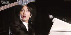 Yonghwa flirting with Jungshin