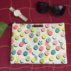"""Kate spade pouch/Clutch TRADES️️ Authentic Kate Spade Gia Sand Hill Circle (beach scene) Pouch/Clutch Bag. Coated canvas, top zip, leather trim and plate.  Color: Tan/Multicolor printed Umbrellas and beach towels Length:  10"""" Width: 7 ¼"""" Interior: light gold Signature Lining kate spade Bags Clutches & Wristlets"""