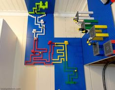 Cool Lego Wall for Kids Room Decor Lego Furniture, Boys Bedroom Furniture, Lego Bedroom, Boys Bedroom Decor, Boy Bedrooms, Kids Room Design, Wall Design, Legos, Lego Room Decor