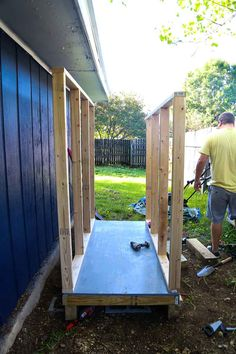 Every thought about how to house those extra items and de-clutter the garden? Building a shed is a popular solution for creating storage space outside the house. Whether you are thinking about having a go and building a shed yourself Building A Storage Shed, Kayak Storage, Storage Shed Plans, Building Ideas, Backyard Sheds, Outdoor Sheds, Lavabo Exterior, Cheap Sheds, Wooden Greenhouses