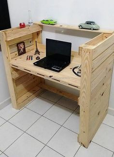 For a desktop pc table there are almost no furniture that would best suit but when you are making your own wooden pallet recycled wood then you can easily make it. Design and decorate your table with anything you like and have the best repurposed pallet in your room for your kids.