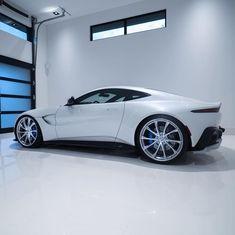 Luxury Garage, Aston Martin Vantage, Billionaire Lifestyle, Cute Cars, G Wagon, Dream Life, Motor Car, Cars And Motorcycles, Dream Cars