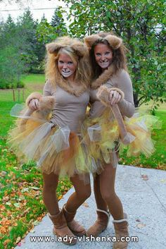 Womens Lion Diy Costume - How to make a lion costume. Next up in our diy sibling costumes. Homemade Lion Costume Ideas Carnival Costumes Lion Costume Dressing up as the king of. Lion Halloween Costume, Lion King Costume, Halloween Costumes For Teens, Costumes For Women, Diy Lion Costume, Jungle Costume, Lioness Costume Diy, Diy Reindeer Costume, Costume Women Diy