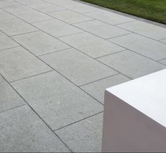 Our natural Mid Grey granite paving comes with textured finish which would add a class of elegance to your patio design. Its an ideal choice in case you're looking for a seamless contemporary design for your project. Concrete Paving Slabs, Grey Paving, Granite Paving, Patio Slabs, Patio Tiles, Concrete Patio, Outdoor Pavers, Small Outdoor Patios, Small Patio Design