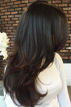 Best Hairstyles For Round Faces ★ See more: http://lovehairstyles.com/best-hairstyles-for-round-faces/