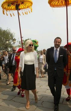 MYROYALS &HOLLYWOOD FASHİON: Crown Prince Haakon and Crown Princess Mette Marit Visit Vietnam - Day 2, March 20, 2014