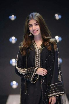 look from yesterday Pakistani Party Wear Dresses, Desi Wedding Dresses, Pakistani Dress Design, Pakistani Outfits, Indian Dresses, Indian Outfits, Sleeves Designs For Dresses, Dress Neck Designs, Pakistani Fashion Casual