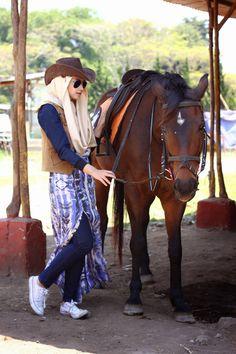 A L A Z T H A Jr: Shella Becomes A Cowgirl