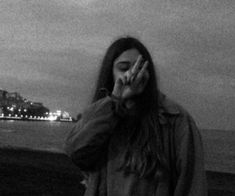 Uploaded by zeliha. Find images and videos about girl and black and white on We Heart It - the app to get lost in what you love. Grunge Photography, Girl Photography Poses, Cute Girl Photo, Girl Photo Poses, Ft Tumblr, Tumbrl Girls, Profile Pictures Instagram, Fake Girls, Selfie Poses