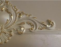 Wall Painting Decor, Diy Wall Art, Arch Molding, Gypsum Ceiling Design, Gold Leaf Art, Classic Ceiling, Plaster Art, Ceiling Detail, Moldings And Trim