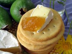 This feijoa paste is a delicious treat. You can either eat it as a sweet on its . - This feijoa paste is a delicious treat. You can either eat it as a sweet on its own or add it to yo - Fejoa Recipes, Guava Recipes, Sweet Recipes, Baking Recipes, Recipies, Fruit Paste Recipe, Yummy Food, Tasty, Savory Snacks