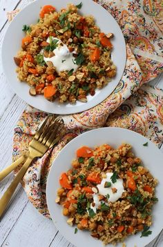 Roasted Chickpea Freekeh Salad - Vegetarian, Mediterranean-Inspired and Delicious! Healthy Foods To Eat, Healthy Snacks, Healthy Eating, Healthy Recipes, Dinner Healthy, Easy Recipes, Healthy Smoothies, Easy Mediterranean Diet Recipes, Clean Eating Recipes