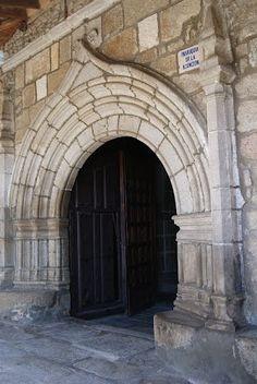 Puerta  de la Iglesia del Puente del Congosto