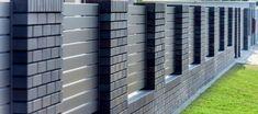 XCEL Nowoczesne Ogrodzenie Shades of bronze 1 House Fence Design, Front Wall Design, Exterior Wall Design, Modern Fence Design, Boundry Wall, Compound Wall Design, Bronze, Shades, Outdoor Structures