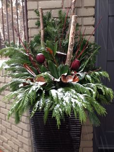 Winter planter | Festive decorating for holidays