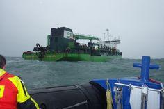 De KNRM reddingboten van Westkapelle en Breskens zijn donderdagochtend uitgerukt richting de Noordzee waar een hopperzuiger brand aan boord had. Uilenspiegel