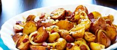 Looking to soup up your holiday meals? Then try this recipe for Balsamic Braised Baby Potatoes from Campbell's & Pepperidge Farms Holiday Secrets Exposed. Potato Dishes, Vegetable Sides, Vegetable Side Dishes, Rice Dishes, Vegetable Recipes, Baby Potato Recipes, Food Network Recipes, Cooking Recipes, Baby Potatoes