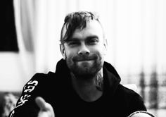 Bert McCracken | 19 Emo Guys Who Got Your Heart Beating Faster And Faster