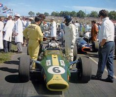 Pukekohe 1968..Penultimate race for the classic Team Lotus livery.