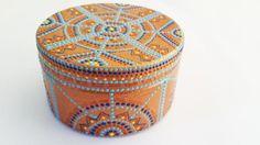 Как с помощью точечной росписи превратить ненужную баночку в очаровательную шкатулку