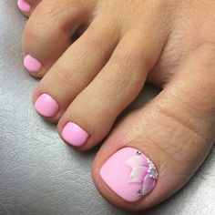 Fußnägel 50 adorable summer toe nail art inspirations to start summer fun Wedding Favor Ideas: Tips Pink Toe Nails, Pretty Toe Nails, Cute Toe Nails, Summer Toe Nails, Feet Nails, Toe Nail Art, My Nails, Beach Toe Nails, Flower Toe Nails