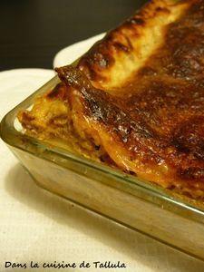 Peler et couper en morceaux la courge. On émince les champignons et l'échalote et on place le tout dans un wok avec les lardons pour faire fondre les légumes et les débarrasser de l'eau qu'ils contiennent. - Recette Entrée : Lasagnes butternut et...