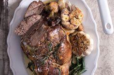 Pomalu pečená jehněčí kýta na česneku s kaší | Apetitonline.cz Pork, Meat, Recipes, Kale Stir Fry, Recipies, Ripped Recipes, Pork Chops, Cooking Recipes