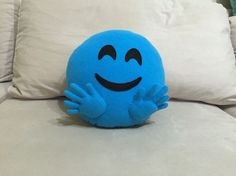 Hugging emoji pillow Making hands little bit difficult but it is to be so cute end