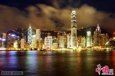在北京,100万美元如果用来购买豪宅的话,只能买到58平方米的大小,昂贵程度排名全球第十。上海可以买到46平方米大小,排名全球第八。全球最贵的摩纳哥已经连续第九年排名第一,100万美元在摩纳哥购买豪宅只能买到17平方米。香港的住房市场是全世界第二昂贵的,用100万美元能够买到20平方米。