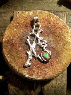 Reproducción de madera de nopal y ópalo de fuego, plata ley 950.