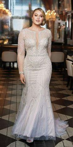 12 Dreamy Plus Size Wedding Dresses With Sleeves - Vestido de noiva - Vestidos Wedding Dresses For Curvy Women, Plus Size Wedding Dresses With Sleeves, Plus Wedding Dresses, Bridal Dresses, Size 12 Wedding Dress, Wedding Gowns, Wedding Venues, Vestidos Plus Size, Plus Size Gowns
