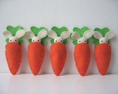 felt bunny eating carrots by the Cupcake Girls on Etsy  Need to think of a rhyme to go with this....