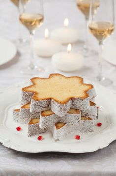 Winter Wood Photography Desserts Ideas For 2019 Christmas Kitchen, Noel Christmas, Christmas Goodies, Christmas Desserts, Christmas Baking, Holiday Treats, White Christmas, Christmas Cakes, Christmas Food Photography