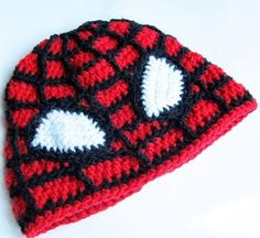 http://translate.google.es/translate?hl=es&sl=en&tl=es&u=http%3A%2F%2Fwww.littlethingsblogged.com%2F2012%2F12%2Fcrochet-spiderman-hat.html
