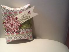 Pillow box - candlelight christmas dsp, Christmas messages and festive flurry stamps. All supplies Stampin' Up!