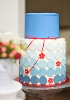 #Patriotic #cake | Photo by: Dani Fine via Society Bride via Lover.ly
