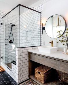 44 Marvelous Farmhouse Master Bathroom Decor Ideas and Remodel - Home Design Inspiration Bad Inspiration, Bathroom Inspiration, Cool Bathroom Ideas, Bathroom Inspo, Bath Ideas, Shower Ideas, Bathroom Interior Design, Interior Design Living Room, Bathroom Designs