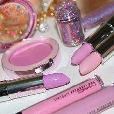✦⊱ɛʂɬཞɛƖƖą⊰✦ Doll Sugar makeup pink cosmetics glitter blush cotton candy lipsticks via Barbie Makeup, Pink Makeup, Mac Makeup, Cute Makeup, Beauty Makeup, Perfume, Makeup Obsession, Makeup Collection, Best Makeup Products