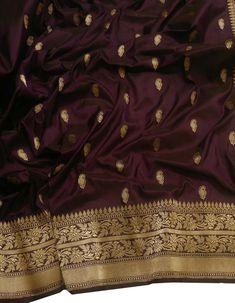 Ethnic Sarees, Indian Sarees, Wedding Lehenga Designs, Banaras Sarees, Bengali Wedding, Modern Saree, Silk Saree Blouse Designs, Elegant Saree, Silk Sarees Online