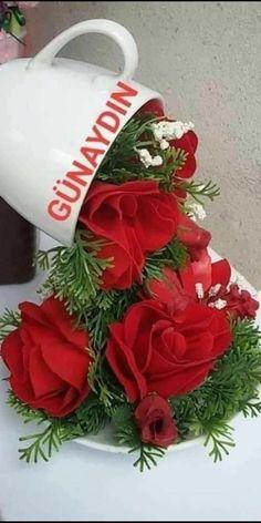Christmas Wreaths, Christmas Bulbs, Artificial Flowers, Good Day, Diy And Crafts, Bouquet, Holiday Decor, Home Decor, Nice
