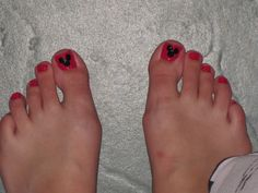 How To Make A Mickey Mouse Pedi. I'll be using this in 103 days!