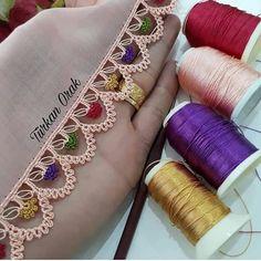 Oya guzelligi❣❣❣ . . @elemegigoznuru_oyalarim 👌 . . . .#oya #oyamodelleri #yazma#yazmamodelleri #igneoyasi #gelinçeyizi #çeyizlik #tığoyası… Crochet Edging Patterns, Crochet Borders, Baby Knitting Patterns, Crochet Motif, Crochet Lace, Crochet Stitches, Viking Tattoo Design, Viking Tattoos, Romanian Lace