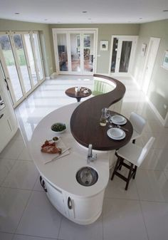 Curvaceous kitchen