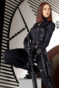 Captain America the Winter Soldier Black Widow fighting | Captain America - The Winter Soldier, nuova statua Scarlett Johansson ...