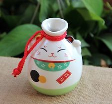 Japanese Maneki Neko Lucky Cat Porcelain Sake Bottle Vase 300ml GREEN New in Box