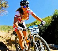 To increase your enjoyment of mountain biking, the right shoe is necessary. A shoe created particularly for the mountain bicycle rider is the way to go. Mtb shoes come in a variety of prices, from … Women's Cycling, Cycling Girls, Cycling Outfit, Cycling Jerseys, Cycle Chic, Road Bike Women, Bicycle Women, Bicycle Girl, Motard Sexy